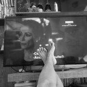 Source: https://pixabay.com/en/everyday-routine-tv-watching-tv-912097/