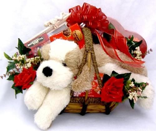 Women love romantic gifts