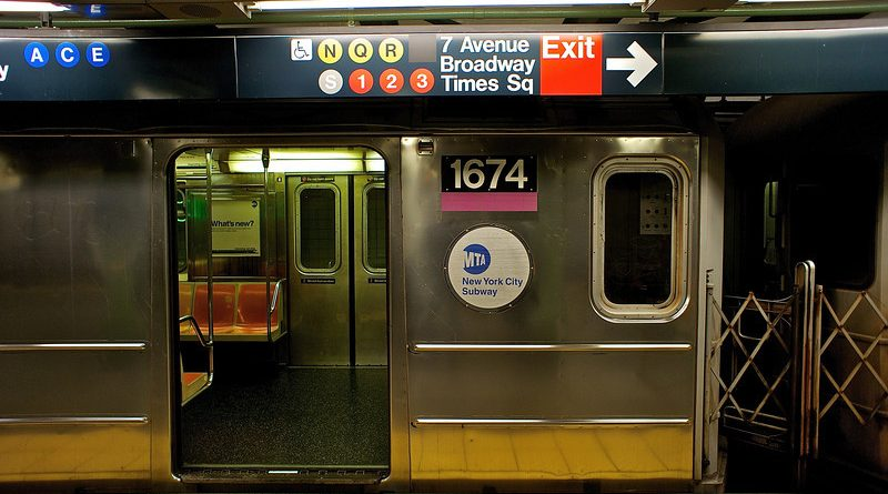 Best Apps For Killing Time On The Subway