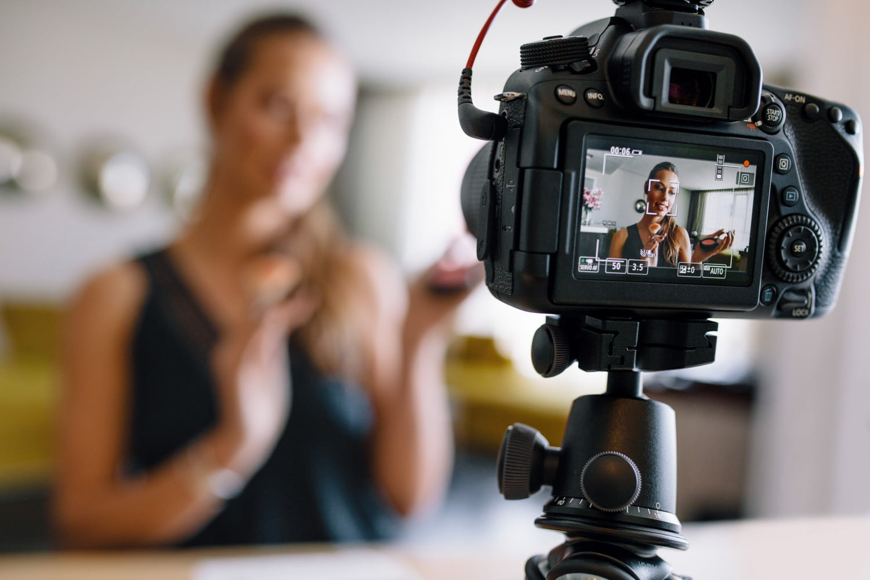Consider Before Starting Vlogging