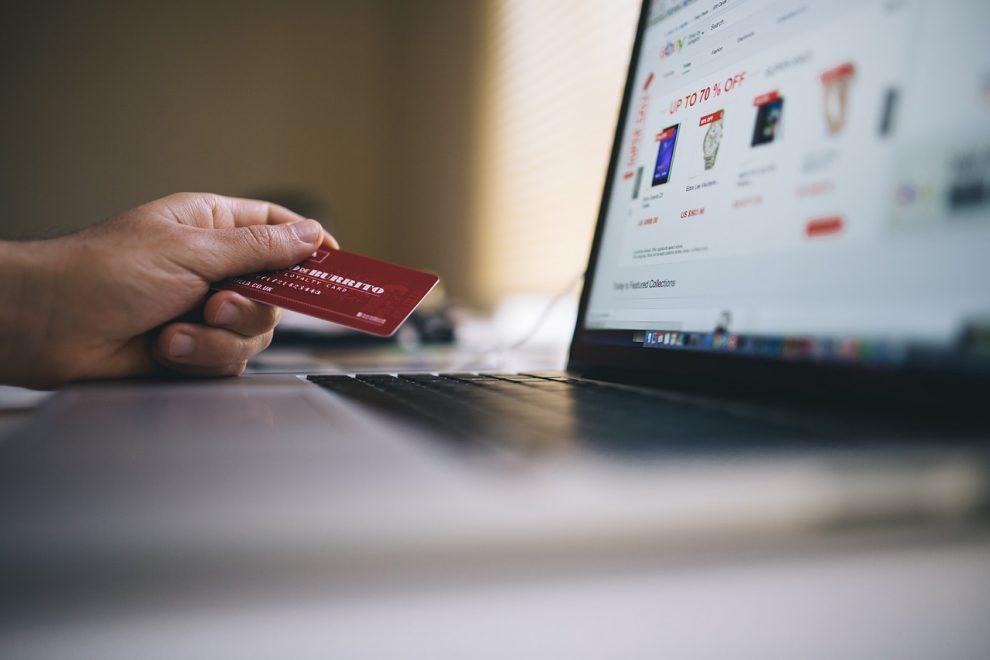 E-Commerce 101: Choosing The Best Website Host
