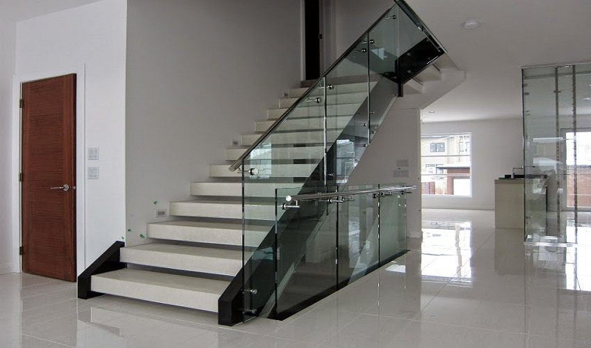 Tips To Consider When Buying Glass Railing