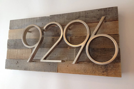 What Style Of Custom Plaques Is Available