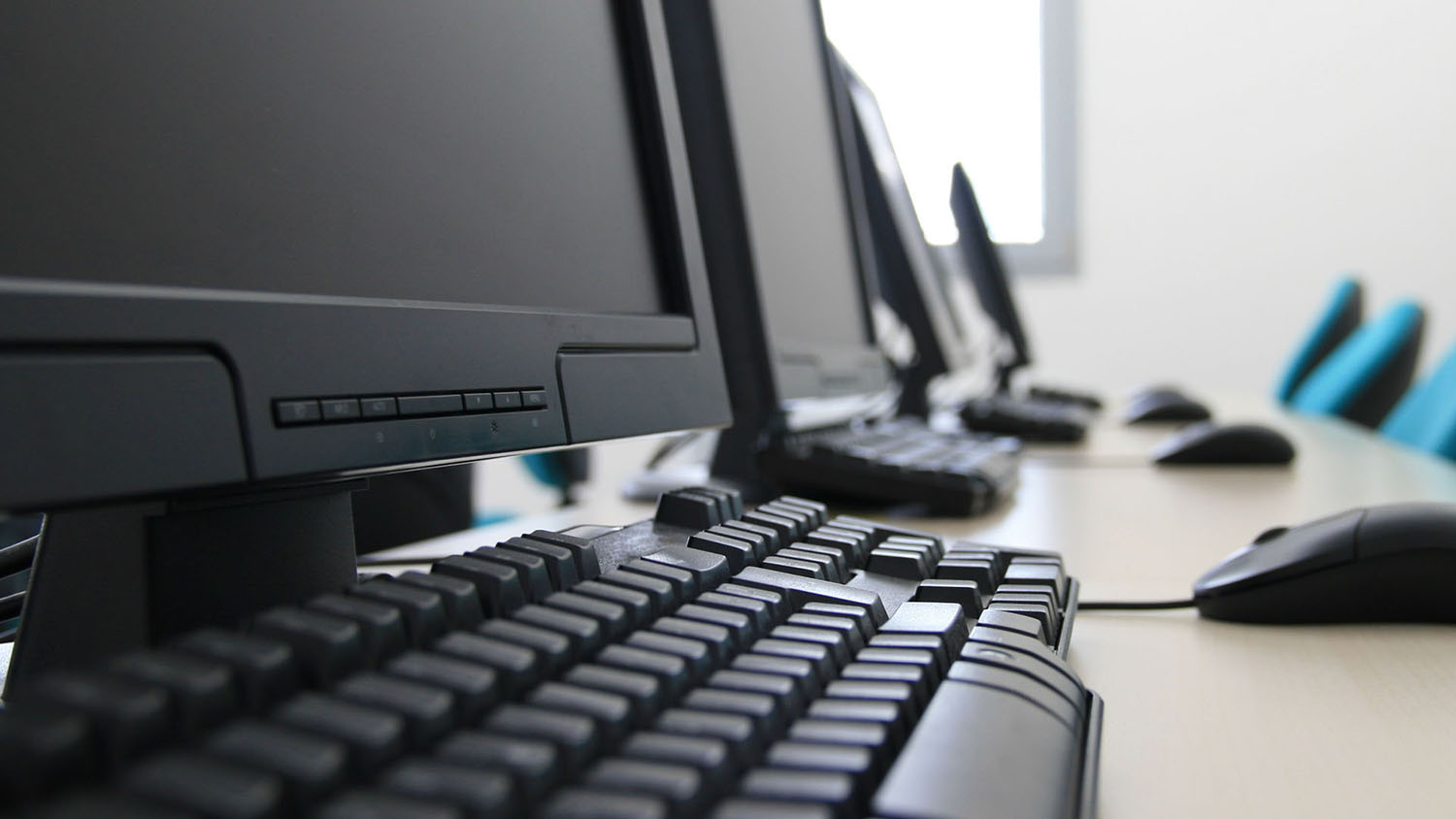 How IT Support Service Providers Help In Your Office System