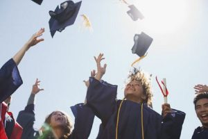 Tips To Host A Most Amazing Graduation Party