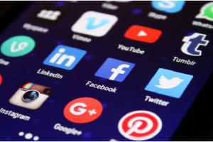 5 Social Media Marketing Tips That Grow Financial Advisor Business