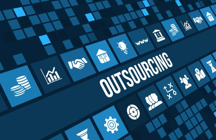 7 Benefits Of IT Outsourcing For Small Businesses