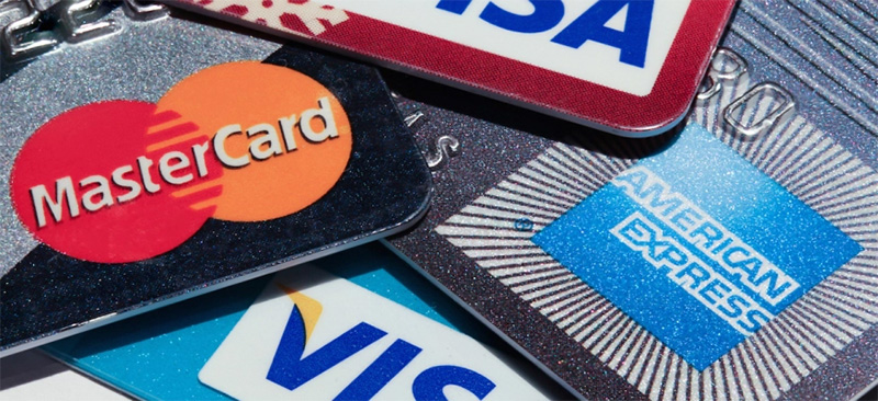 The Pros And Cons Of Cash And Card Payment