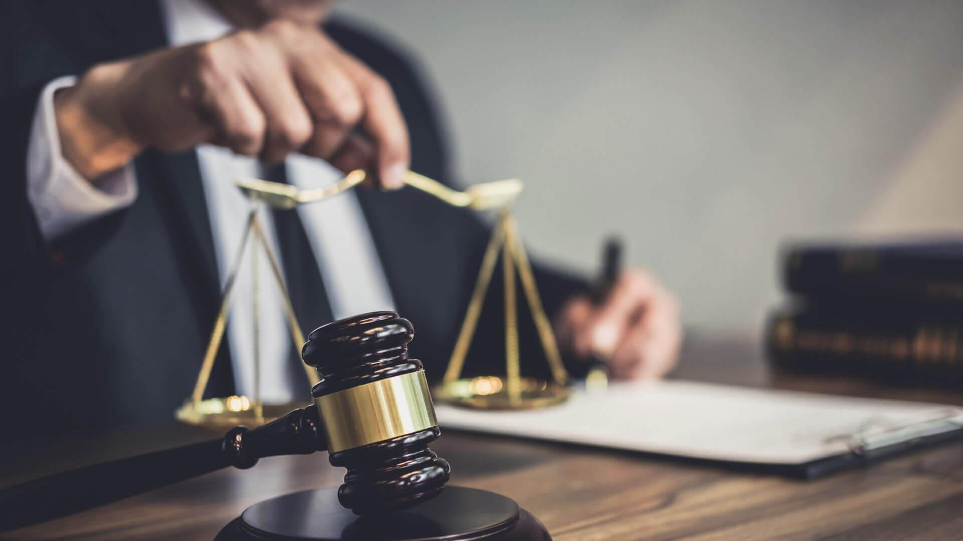 Business Litigation Lawyer