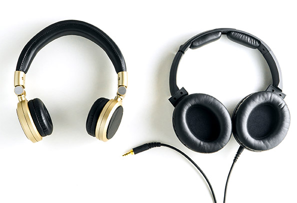 Wired or a Wireless Headphone