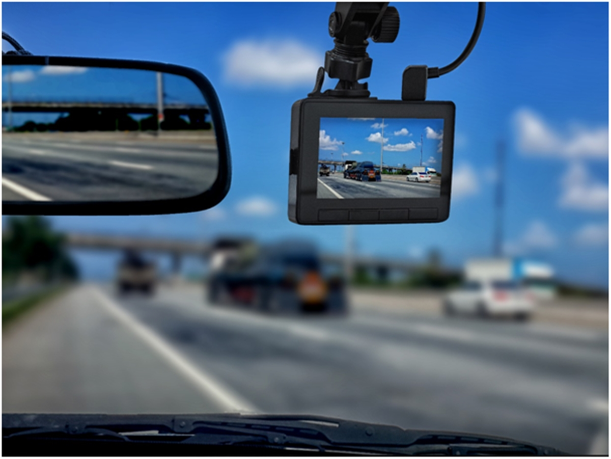Pros and Cons of Using Dashcams
