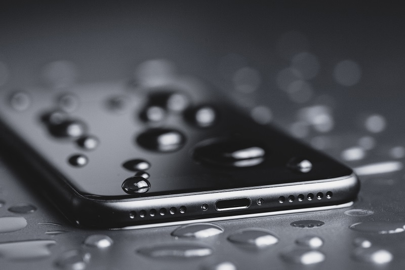 Fix a Phone That Has Been Surrounded by Water